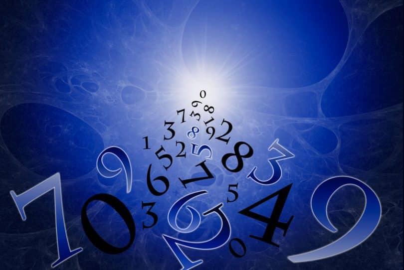 Luz de universo com números formando caminho