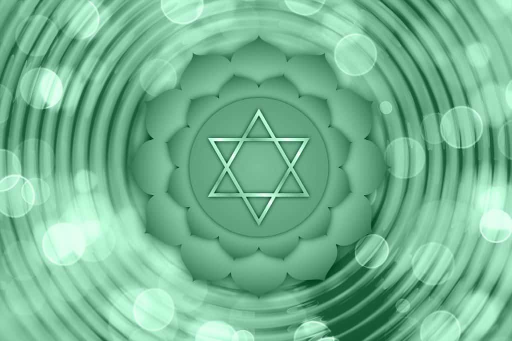 Imagem em 3D do chakra na cor verde.