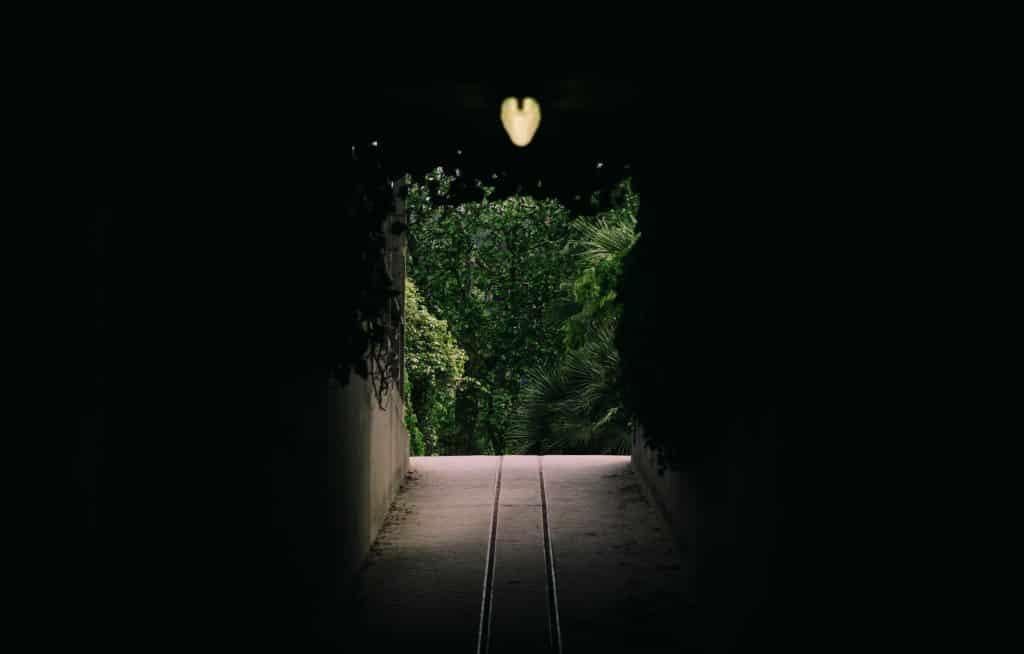 Túnel com uma luz no final