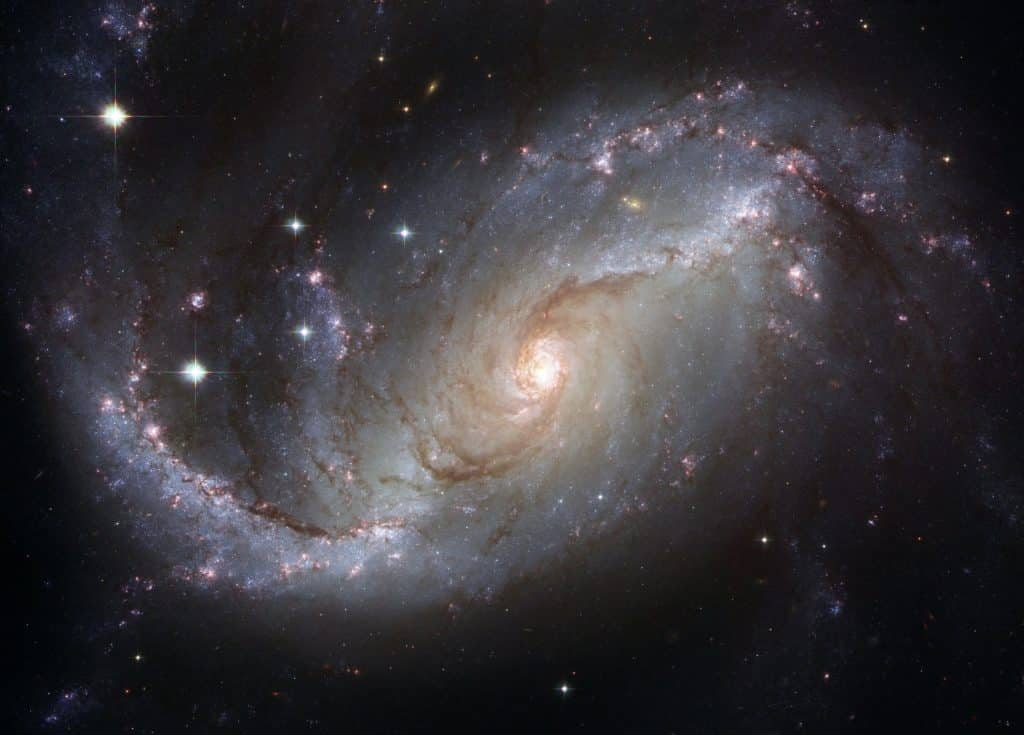 Imagem de uma galáxia vista do espaço.