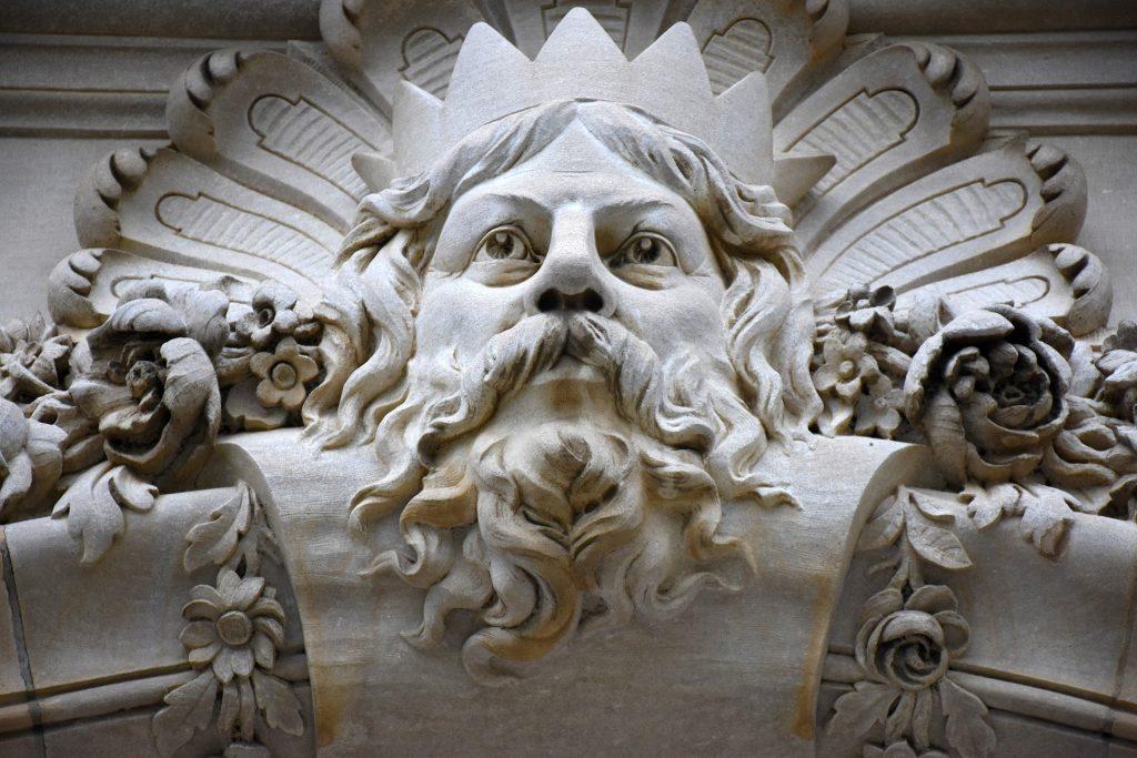 Imagem da estátua - parte superior - da cabeça do Zeus - o Deus do Olimpo.
