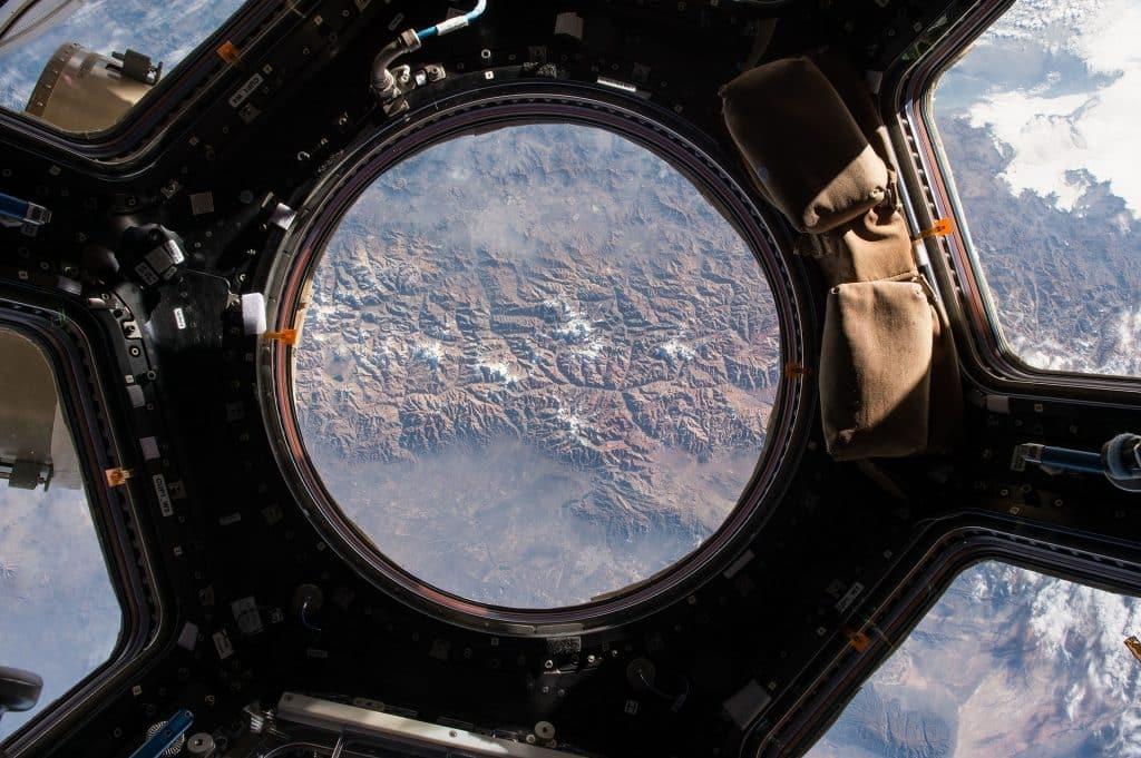 Imagem de uma estação espacial representando uma missão.