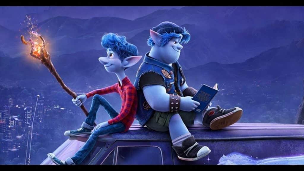 Ian e Laurel sentados em cima do carro