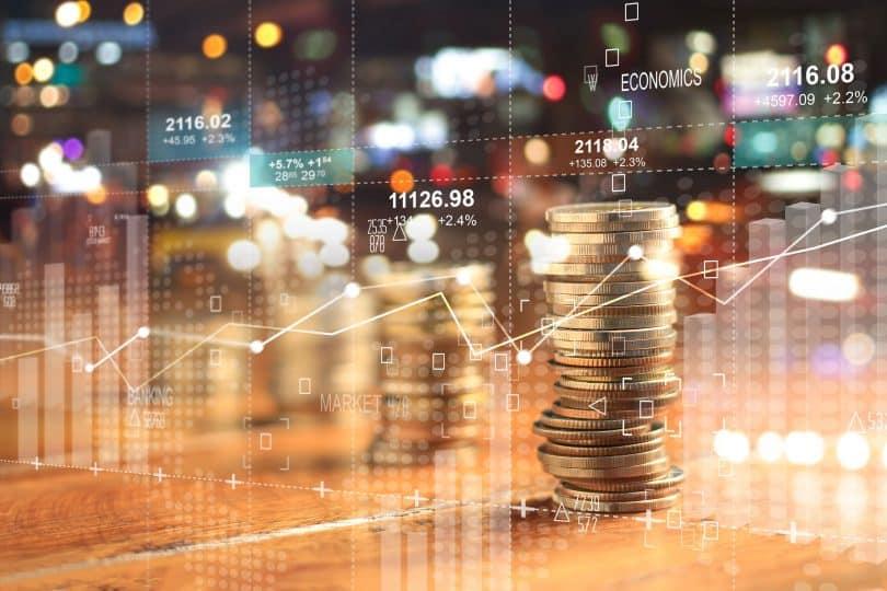 Fotos de moedas empilhadas.