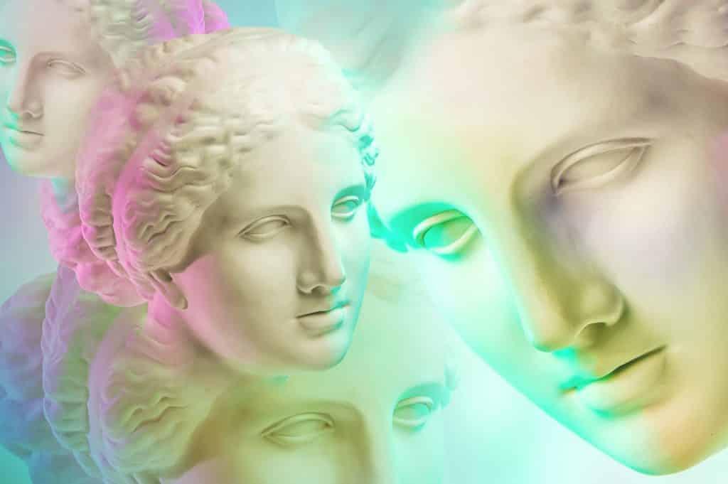 Imagem colorida do rosto da Deusa Afrodite em várias dimensões.