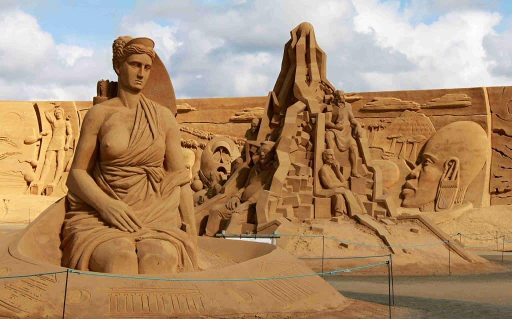 Imagem da estátua de Artemis, deusa da mitologia grega.