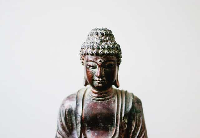 Imagem de Buda pequena vista de perto