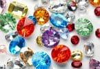 Pedras coloridas.