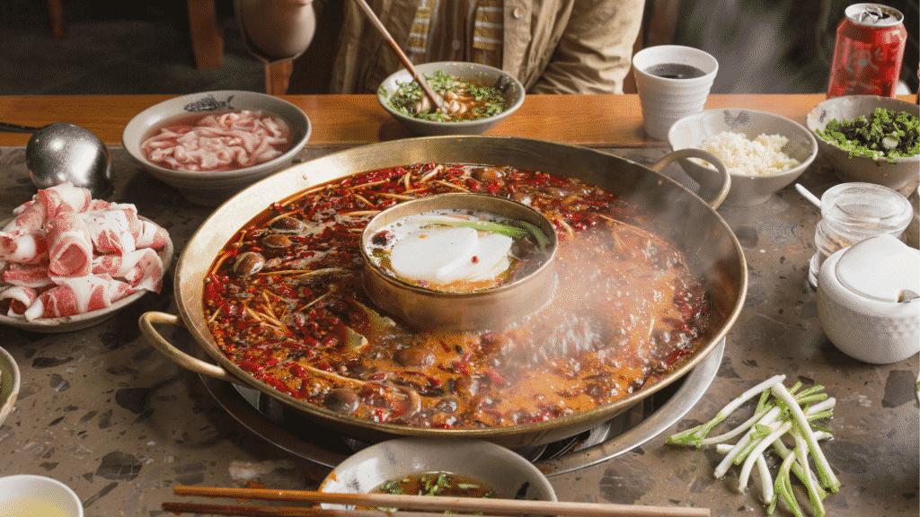 "Um ""hotpot"", comida típica chinesa"
