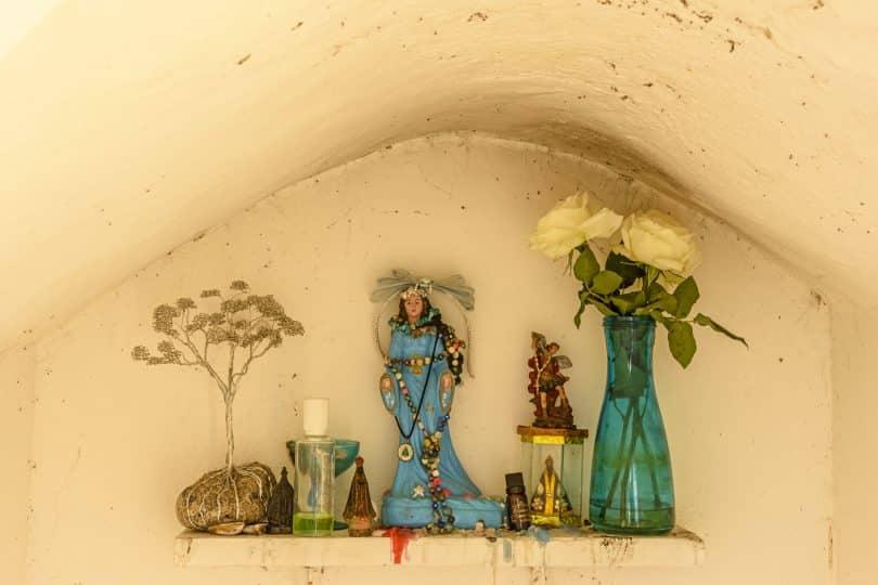 Pequeno altar à rainha do mar Iemanjá