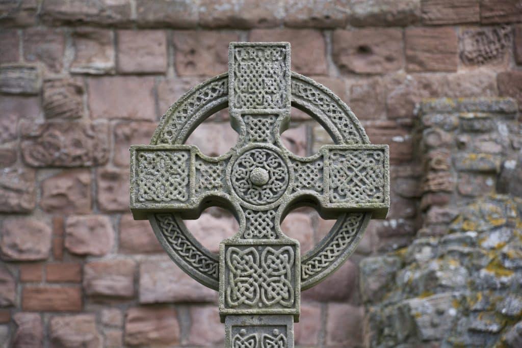 Imagem da Cruz Celta, símbolo do dia de São Patrício.