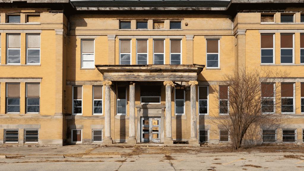 Escola abandonada