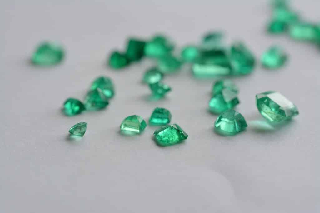 Pedras de esmeralda.