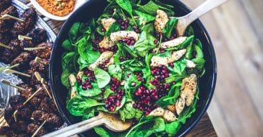 Prato de salada temperada