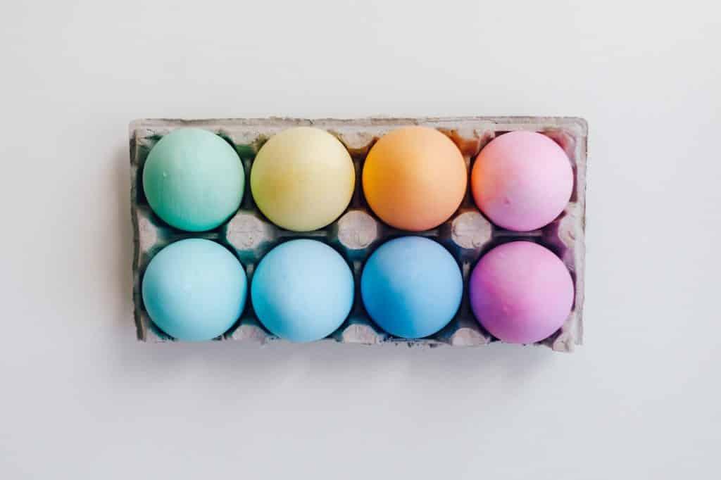 Ovos coloridos.