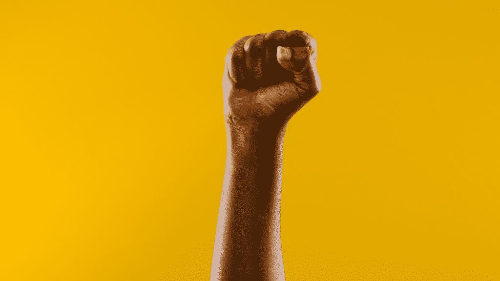 Punho erguido representando o movimento negro
