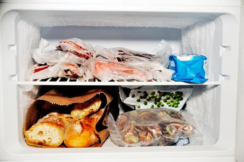 Comidas no congelador.