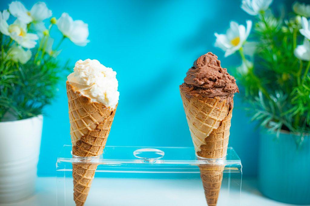 Casquinhas com sorvetes.