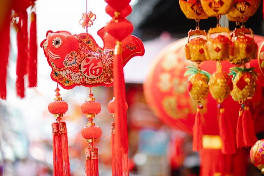 Decoração chinesa suspensa.
