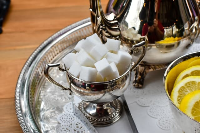 Cubos de açúcar.