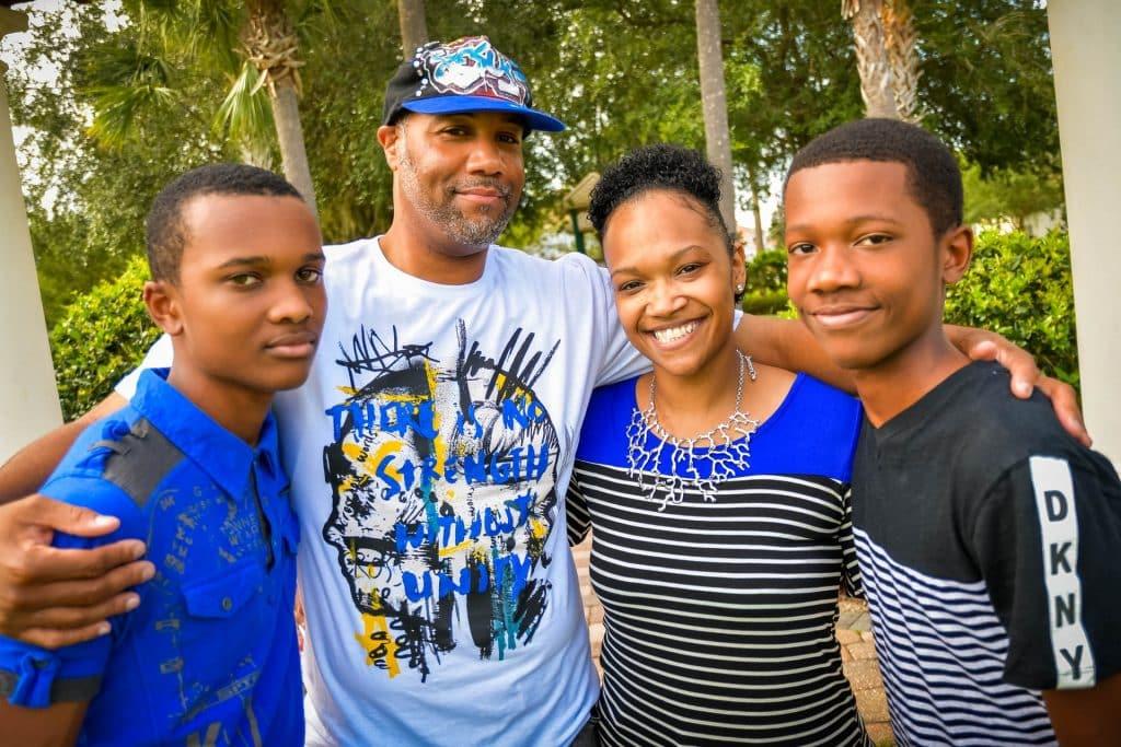 Família de pessoas negras.