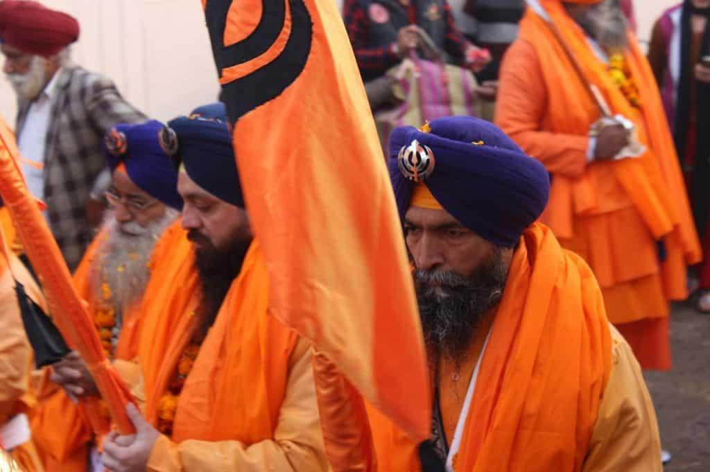 Pessoas adeptas do sikhismo.