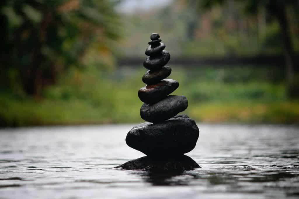 Pedras lisas sobrepostas