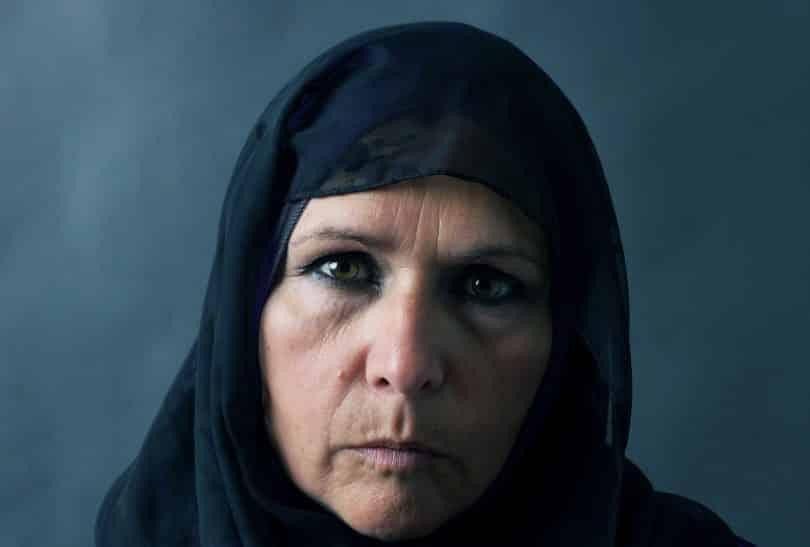 Close no rosto de mulher mulçumana.