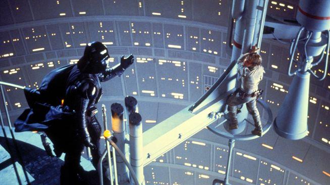 Darth Vader dizendo que é pai do Luke Skywalker