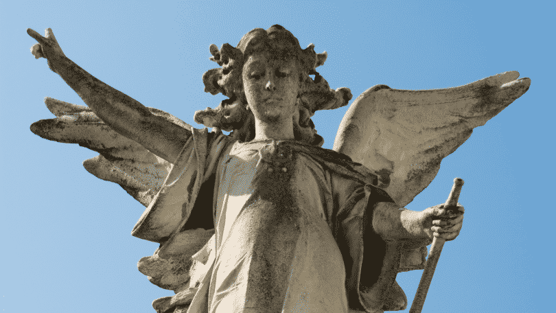 Estátua do Arcanjo Gabriel