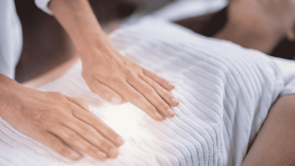 Técnica de heiki para equilíbrio do chakra manipura