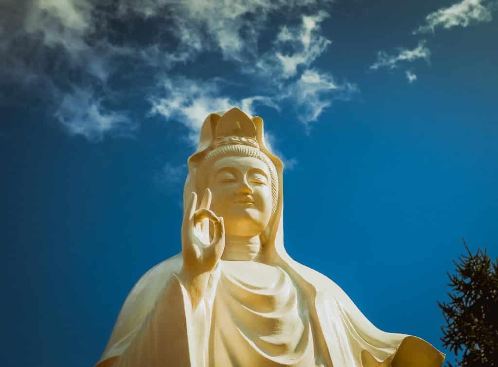 Estátua da deusa Kuan Yin.