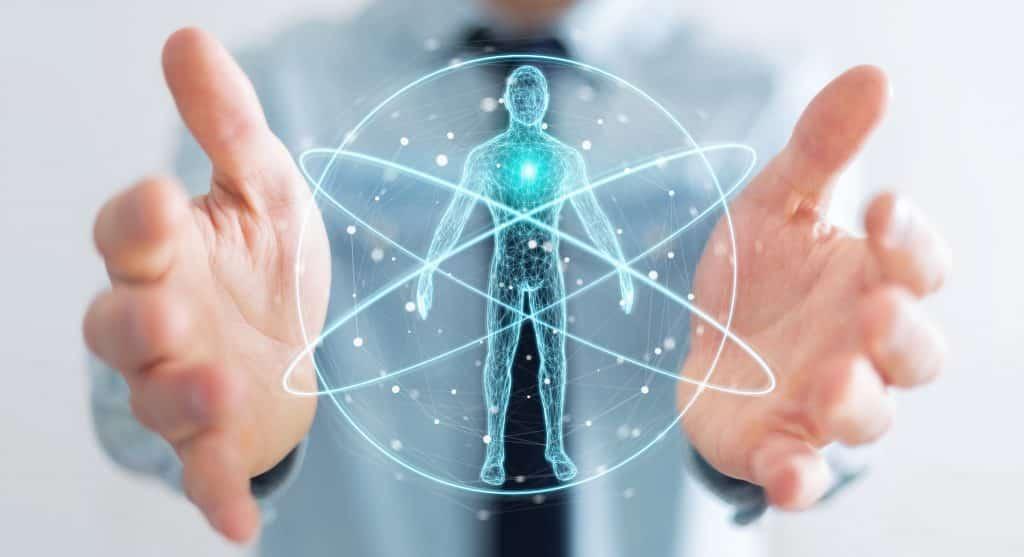 Homem de negócios em fundo desfocado usando interface de varredura digital de raio-x do corpo humano, renderização 3D