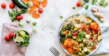 Prato com variedades de legumes