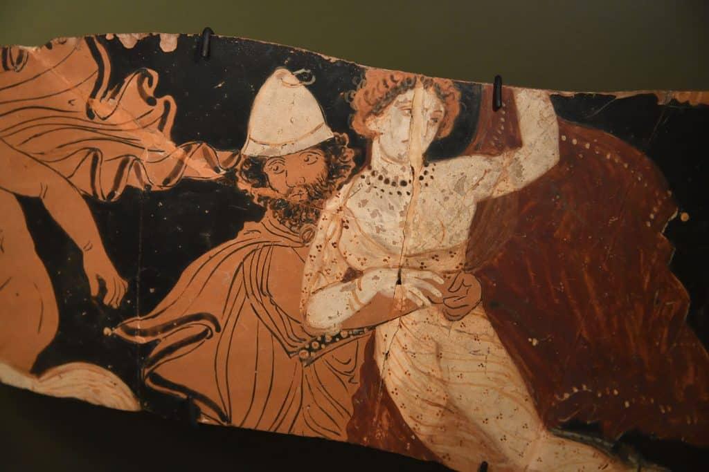 Arte visual feita em cerâmica que representa o rapto de Perséfone tomado por Hades.