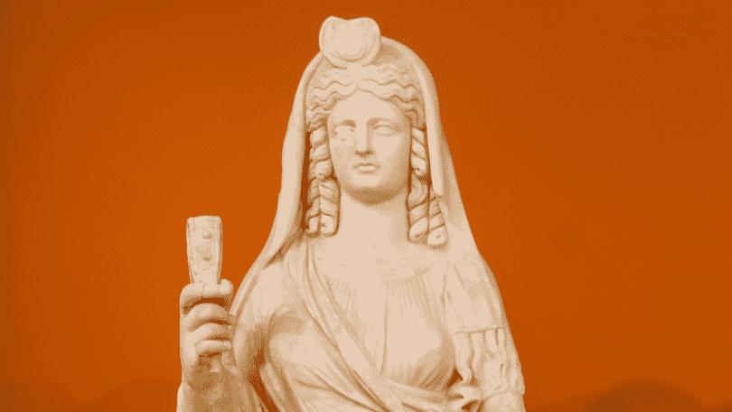 Uma estátua da deusa Perséfone.