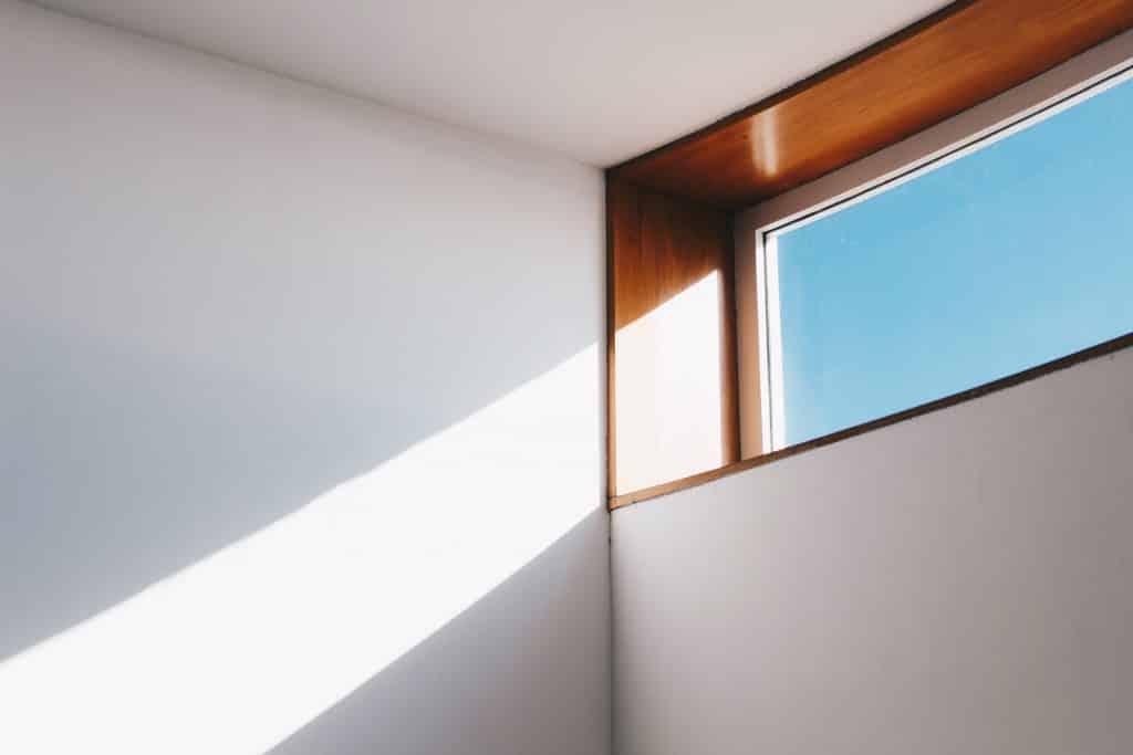 Luz do Sol passando por uma janela