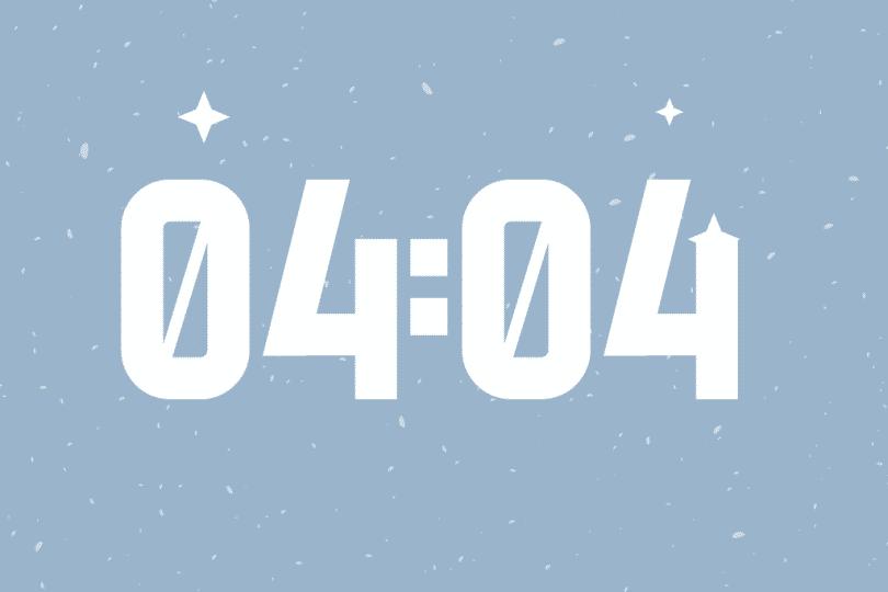 Número 04:04 em um fundo azul.