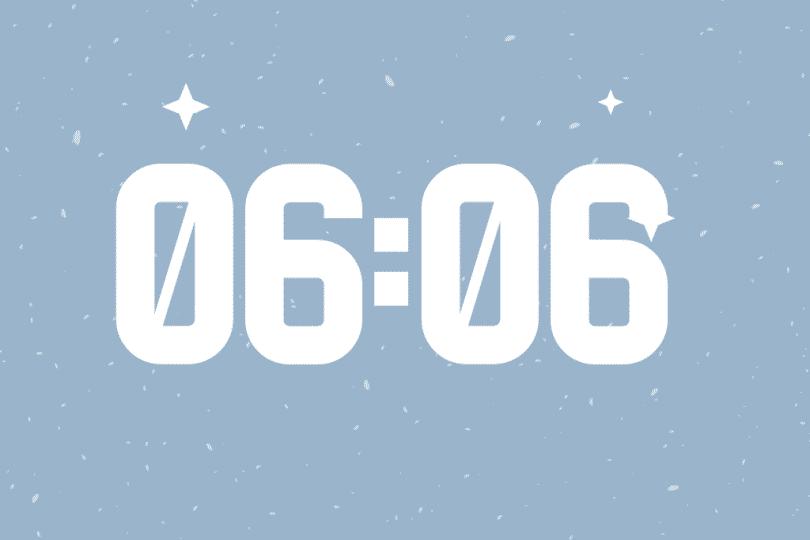 Número 06:06 em um fundo azul.
